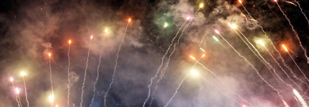 Cosa fanno i fuochi d'artificio alla qualità dell'aria il 4 luglio